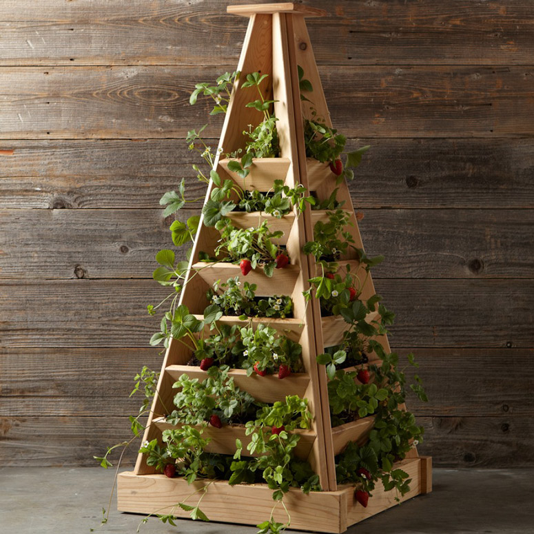 pyramid-shaped-cedar-garden-planter-xl
